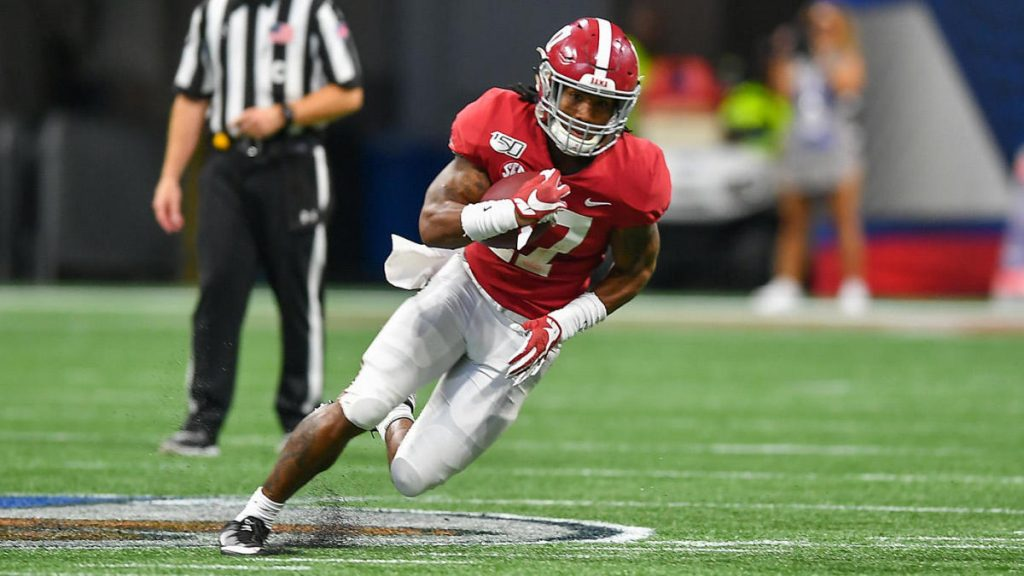 This image has an empty alt attribute; its file name is jaylen-waddle-alabama-getty-1024x576.jpg